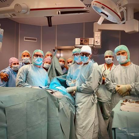 Protesi vertebrale 3D restituisce il movimento a paziente tetraplegico